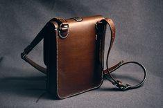 Leather bag made from genuine leather. Hand-made. Сумка - планшет из натуральной кожи. Ручная работа.