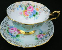 ROYAL-ALBERT-ROSE-BOUQUET-BLUE-WHITE-GOLD-TEA-CUP-AND-SAUCER