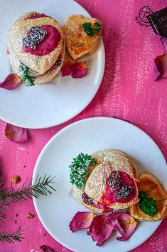 Raspberry Crème Fraîche & Cookies Puffs   VIDEO #valentine's day #pink