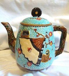 English Majolica Teapot. #PutDownYourPhone #carde