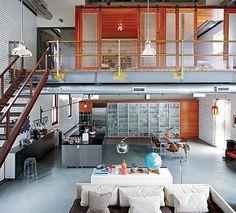 I'm not sure why, but I've always wanted a loft apartment Escadas com Soluções Modernas e de Segurança em Vãos de Escada e Varandas... http://www.corrimao-inox.com http://www.facebook.com/corrimaoinoxsp #escadas #sobrados #pédireitoalto #Corrimãoinox #mármore #granito #decor #arquitetura #casamoderna