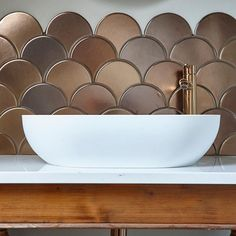 Our hand made bronze fish scales appeared on TV on Thursday! These mesmerising was used on show and make me soooo proud! Kitchen Splashback Tiles, Backsplash, Bathroom Spa, Small Bathroom, Downstairs Toilet, Downstairs Cloakroom, Gold Kitchen, Kitchen Vent, Mermaid Tile