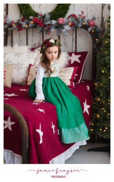 Holiday Bed mini session @lostfoundrents     Dress by @olivemaeplano