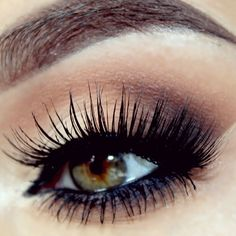 how to take off false eyelash extensions