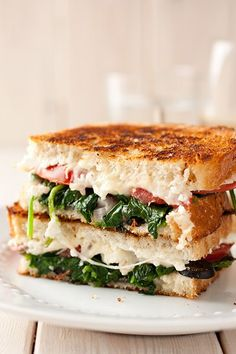Mediterranean Grilled Cheese Sandwich Cooking Classy - Domains - Ideas of Domains - mediterranean grilled cheese sandwich mozzarella feta spinach olives basil tomatoes and red onions. Soup And Sandwich, Sandwich Recipes, Sandwich Ideas, Veggie Sandwich, Grilled Sandwich, Lunch Recipes, Dinner Recipes, Think Food, I Love Food