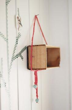 DIY: shelf for keys and phone