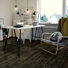 For a chique look you go for the dark blackbrown. The structure pronounce the wooden details. Types Of Wood Flooring, Solid Wood Flooring, Cork Wood, Italian Tiles, Tile Manufacturers, Different Types Of Wood, Grey Oak, Plank, Tile Floor