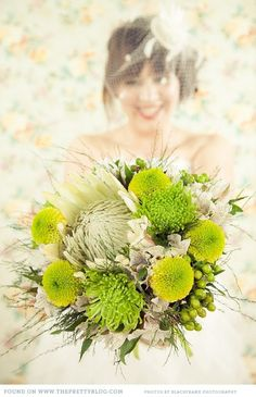Green wedding bouquet | Photography: Blackframe Photography, Flowers: Colleen Whiting & bridal party