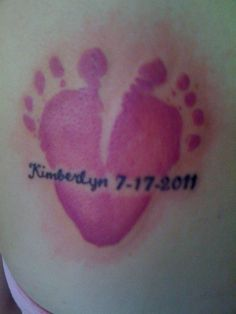 Baby Footprint Tattoo -- I LOVE this one. i wonder if they could do this under Adrianas name. or maybe just do this with her prints, and re-write her name. Baby Feet Tattoos, Body Art Tattoos, Tattoo Baby, Girl Tattoos, Tatoos, Baby Footprint Tattoo, Ink Addiction, Piercing Tattoo, Piercings