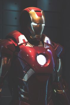 thelavishsociety:  Ironman by Jay Cid | LVSH