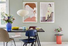 Har du svært ved at finde ud af, hvordan du skal gribe farve Living Room Designs, Living Room Decor, Masculine Living Rooms, Blue Painted Walls, Pink Home Decor, Bedroom Pictures, Dining Room Inspiration, Decoration, Home Interior Design