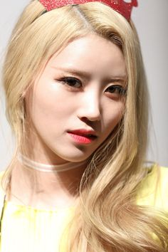 Lovelyz - Mijoo | 러블리즈 미주 Cherry Boom, Lovelyz Mijoo, Ji Soo, K Idols, Korean Girl, Kpop, Poses, Female, Beautiful