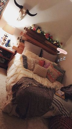 Bedrooms That WIll Inspire Some Big Ideas - The living room is the thing that defines your property. A messy home is a visual and mental drain. room messy Gorgeous Bedrooms That WIll Inspire Some Big Ideas Dream Rooms, Dream Bedroom, Girls Bedroom, Bedroom Ideas, Bedroom Inspo, Diy Bedroom, Bedroom Black, Bedroom Themes, Bedroom Apartment