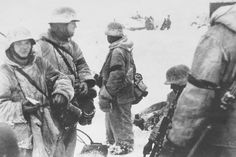 SS Grenadiers in there winter uniforms, Kharkov 1943