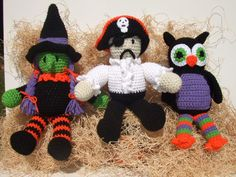 Crochet pattern for Halloween witch, pirate and owl.  Pattern can be found at: http://crochetvillage.com//