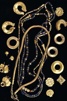 Amazing traditional jewelries of the early Filipino ancestors in the Philippines dated from around to Filipino Tribal Tattoos, Tribal Arm Tattoos, Back Tattoos, Philippines Fashion, Philippines Culture, Filipino Art, Filipino Culture, Cultura Filipina, Tribal Trends