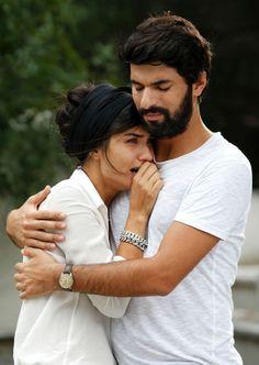 Tuba Buyukustun as Elif Denizer and Engin Akyürek as Ömer Demir in the Turkish TV series KARA PARA ASK, 2014. Cute Muslim Couples, Cute Couples, Prince Carl Philip, Turkish Beauty, Turkish Actors, Love Couple, Best Tv, Film Movie, Couple Pictures