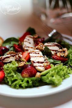 Salatka z truskawkami i serkiem capri