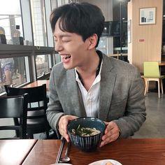 Our cheerful manager Ku Chang Seung 😊😄😄😚 He is damn cute Korean Male Actors, Handsome Korean Actors, Korean Celebrities, Korean Men, Park Hae Jin, Park Seo Joon, Seo Kang Joon, Lee Dong Wook, Ji Chang Wook