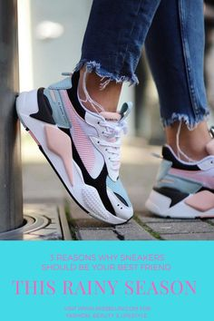 4 reasons why sneakers should be your best friend this rainy season Pink Nike Shoes, Nike Air Shoes, Pink Nikes, Pumas Shoes, Chanel Tennis Shoes, Black Nikes, Nike Air Max, Sneakers Mode, Best Sneakers