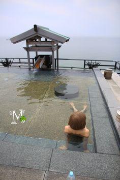 愛知県 南知多山海温泉 粛海風 Japan Onsen, Spring Spa, Hot Springs, Outdoors, Bath, Places, House, Spa Water, Bathing