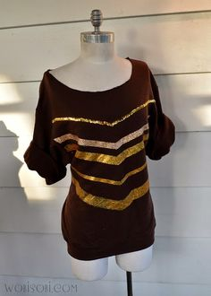 Make this Gold Chevron Sweatshirt for your next Party.   Full tutorial on I Love to Create.  HERE   This is my wish to you for 2015   L...