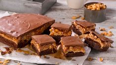 Snickerskake med brownies - Oppskrift fra TINE Kjøkken Snicker Brownies, Caesar Pasta Salads, Recipe Boards, Brownie Bar, What To Cook, Marshmallows, Cake Recipes, Sweet Tooth, Food Porn