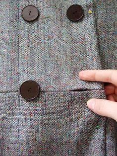 """""""in seam buttonhole"""" = """"boutonnière dans la couture"""" -Assorted Notions: 2007.11"""