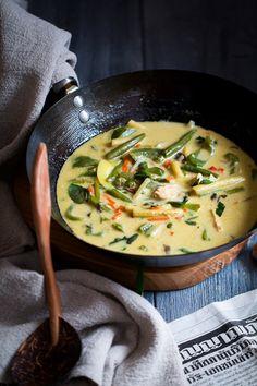 Asian Recipes, Healthy Recipes, B Food, Korean Food, Wok, Cheeseburger Chowder, Feta, Curry, Vegetables