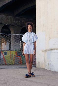 Lookbook da Asos para Primavera/Verão 2016 . Visite o SimplesModa, um blog e revista de moda em Português.