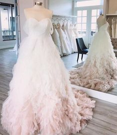 8 Extraordinary Long Sleeve Wedding Dress Ball Gown Princesses Blindsiding Ideas.Boho Wedding Dress Color Floral Wedding Gown, Short Wedding Gowns, Elegant Wedding Gowns, Pakistani Wedding Dresses, Long Sleeve Wedding, Princess Wedding Dresses, Modest Wedding Dresses, Colored Wedding Dresses, Ball Gown