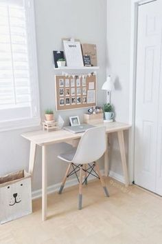 Mesa pequeña pero elegante para ahorrar espacio