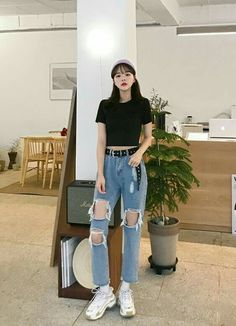 Korean Street Fashion - Life Is Fun Silo Korean Girl Fashion, Korean Fashion Trends, Korean Street Fashion, Korea Fashion, Kpop Fashion, Asian Fashion, Ulzzang Fashion Summer, Runway Fashion, Korean Casual Outfits
