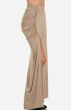 DAILYLOOK Ruched Side Slit Maxi Skirt in Beige S - L | DAILYLOOK $29.99