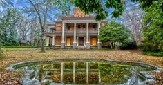 13 Staggering Photos Of An Abandoned Mansion Hiding In South Carolina Abandoned Mansion For Sale, Abandoned Castles, Abandoned Places, Old Mansions, Mansions For Sale, Abandoned Mansions, Old Buildings, Abandoned Buildings, South Carolina Homes