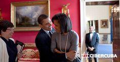 La complicidad que desbordan Michelle y Barack Obama siempre ha sido más que evidente. Con tal motivo, queremos repasar el amor de esta icónica pareja a través del lente del fotógrafo de La Casa Blanca, Pete Souza.