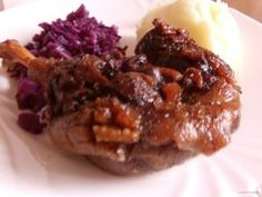 Spareribs in de cola uit de slowcooker Oxtail Recipes, Multicooker, Spare Ribs, Brownie Cake, Brownies, How To Squeeze Lemons, Bbq Grill, Bon Appetit, Crockpot
