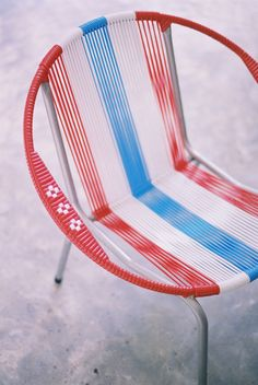 #ridecolorfully to summer flea markets & pick up some cute vintage chairs!