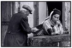 Constantine Manos Grandfather and child, Karpathos Greece 1964 Vintage Pictures, Old Pictures, Old Photos, Karpathos Greece, Greece Pictures, Greek Music, Slice Of Life, His Travel, Magnum Photos