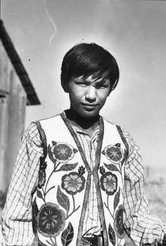 Skitswish boy named Frank Andrews, Washington