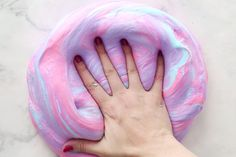 Fluffy Slime Recipe – this is so easy to make! This slime recipe is without borax and made with shaving cream. Make 3 different colors to turn it into unicorn fluffy slime! Easy Fluffy Slime Recipe, Fluffy Slime Ingredients, Diy Fluffy Slime, Making Fluffy Slime, Fluffy Slime Without Borax, Making Slime Without Borax, Slime Without Shaving Cream, Fun Crafts For Teens, Easy Crafts
