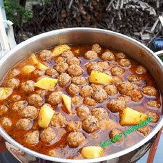 Image may contain: food Turkish Recipes, Ethnic Recipes, Turkish Kitchen, Most Delicious Recipe, Turkish Delight, Homemade Beauty Products, Meatball Recipes, Chana Masala, Cheeseburger Chowder
