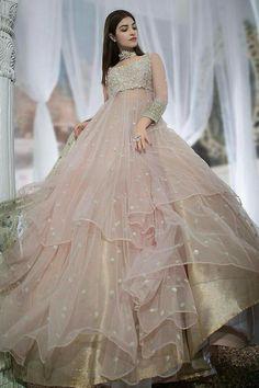 Girls Designer Dresses, Stylish Dresses For Girls, Designer Party Wear Dresses, Wedding Dresses For Girls, Indian Designer Outfits, Best Indian Wedding Dresses, Designer Gowns, Pakistani Wedding Outfits, Indian Bridal Outfits
