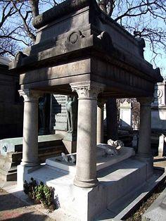 Cimetière de Montmartre  tombe d'  Alexandre Dumas fils