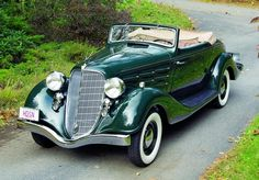 "1934 Hudson Eight Convertible Coupe --Technically, ""hubcaps"" date back centuries, to medieval carriages that featured a little plate cover. Auto Retro, Retro Cars, Vintage Cars, Vintage Auto, Audi, Convertible, Hudson Car, Classy Cars, Old Classic Cars"
