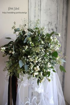 Wedding flowers greenery green for 2019 White Wedding Flowers, Green Wedding, Floral Wedding, Flower Installation, Table Flowers, Bride Bouquets, Floral Arrangements, Wedding Decorations, Savages