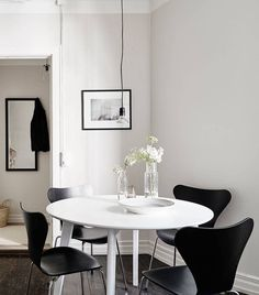 Home with dark accents - via cocolapinedesign.com