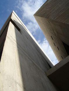 Iglesia del Santísimo Redentor / Menis Arquitectos Iglesia del Santísimo Redentor / Menis Arquitectos – Plataforma Arquitectura