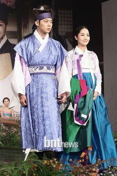 Sungkyunkwan Scandal(Hangul:성균관 스캔들) is a 2010South Koreanfusionhistorical drama about a girl who disguises herself as a boy while attendingSungkyunkwan, theJoseon Dynasty's highest educational institute, where no women were allowed. Directed byKim Won-seokand written by Kim Tae-heebased onJung Eun-gwol's bestselling 2007 novelThe Lives of Sungkyunkwan Confucian Scholars,it stars Park Yoochun,Song Joong-ki,Yoo Ah-in, and Park Min-young.It aired onKBS2for 20 episodes. 박민영과…