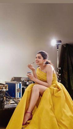 Bollywood fashion 659425570423868057 - Source by yrnitharcini Indian Bollywood Actress, Bollywood Girls, Beautiful Bollywood Actress, Bollywood Stars, Bollywood Fashion, Indian Actresses, Beautiful Girl Indian, Beautiful Indian Actress, Indian Celebrities